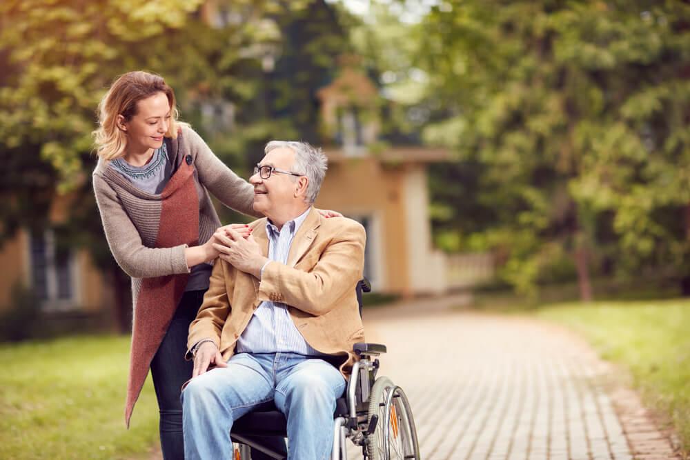 zasiłek opiekuńczy na starszą osobę
