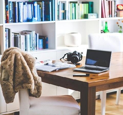 Miejsce dla domowego biura: sekrety poprawnego wyboru