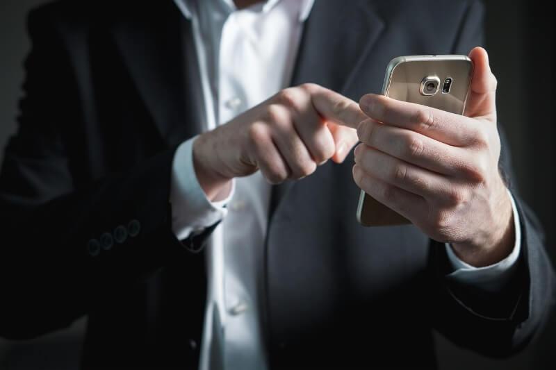 Jak przelać pieniądze z telefonu na konto bankowe