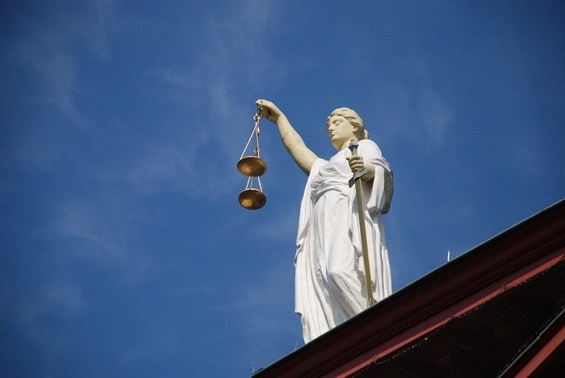 Parabanki: podstawy prawne działalności