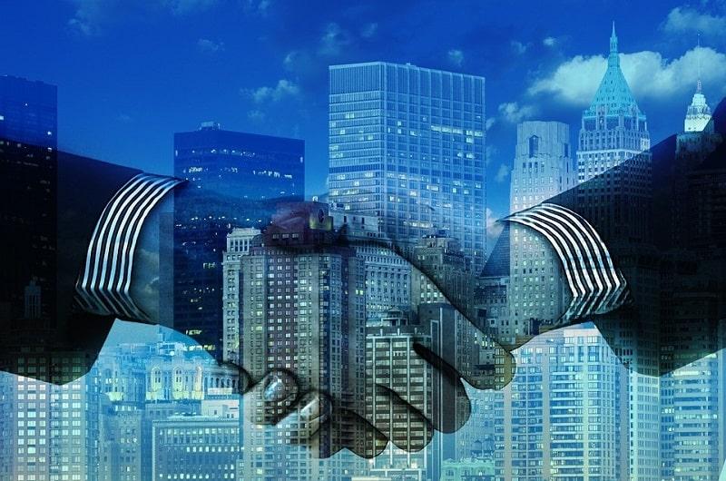 Czy warto współpracować z parabankiem?