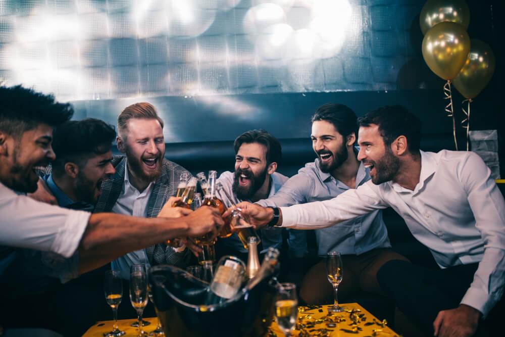 wieczór kawalerski impreza alkohol