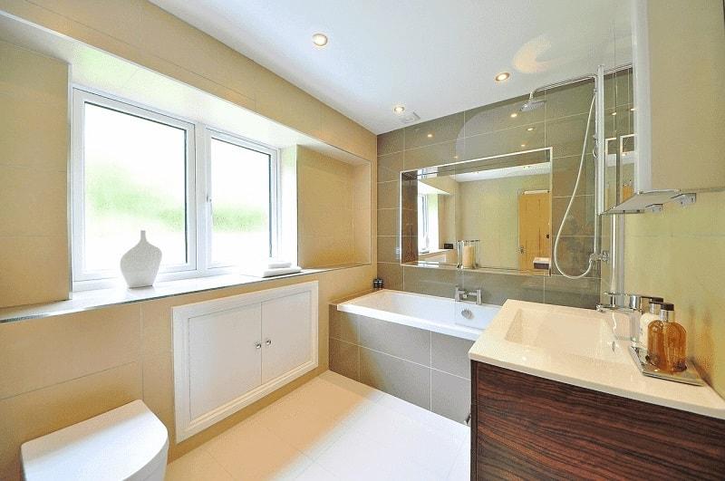 Jak zrobić tani remont w łazience?